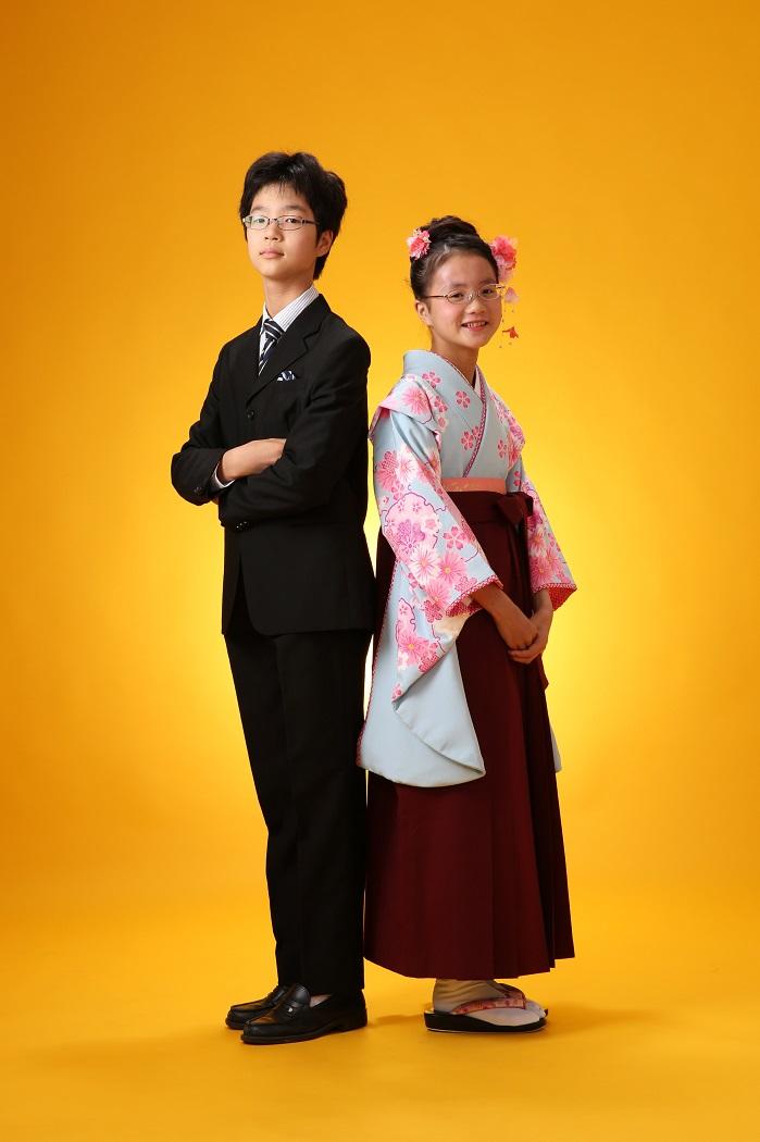 マリリンハウス(右)J16-4 (左)着物‐242/袴-エンジ無地