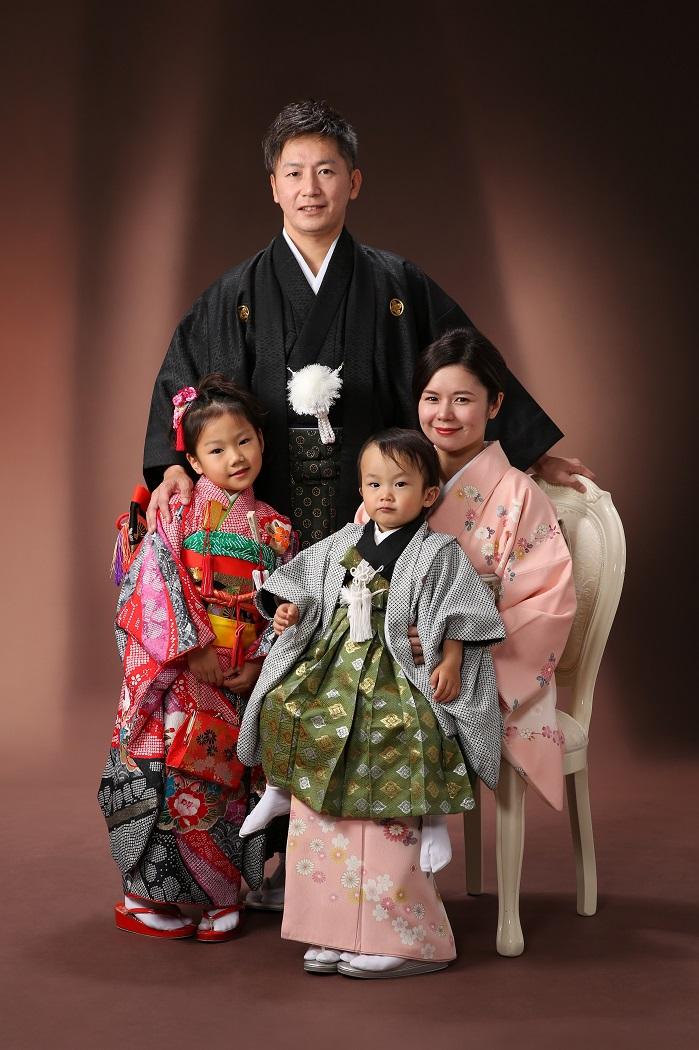 マリリンハウス (中央)男着物-5/男袴-7 (右)訪問着-37